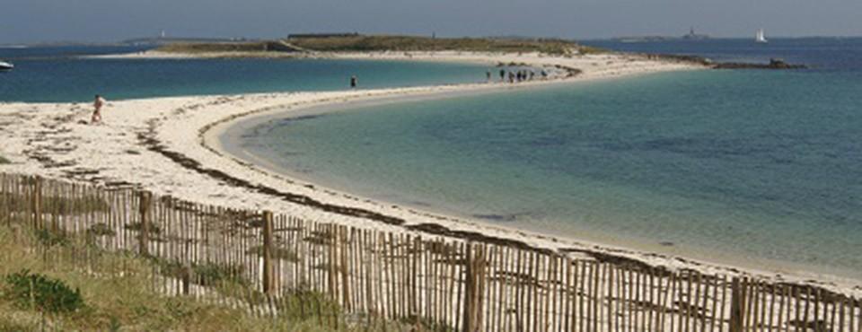 L'archipel de rêve des Glénan. Son sable blanc ses eaux turquoises.
