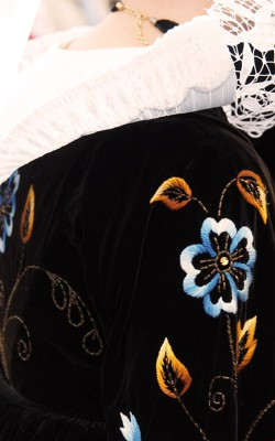 broderie du costume traditionnel fouesnantais