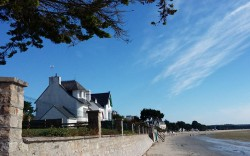 Cap-coz plage de la commune de fouesnant idéale pour les vacances en famille.